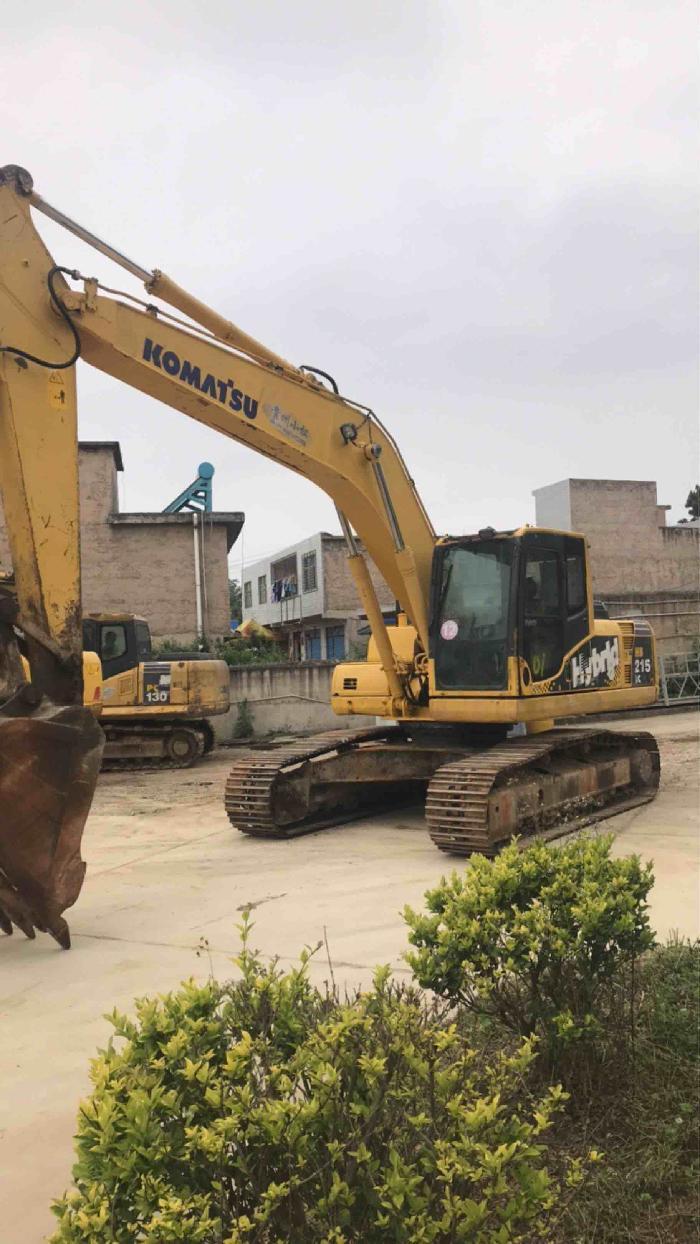 小松挖掘机HB215LC-1