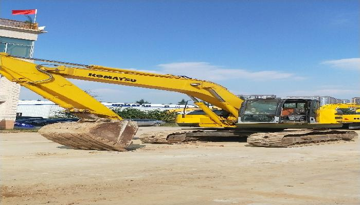 小松挖掘机PC228US-3