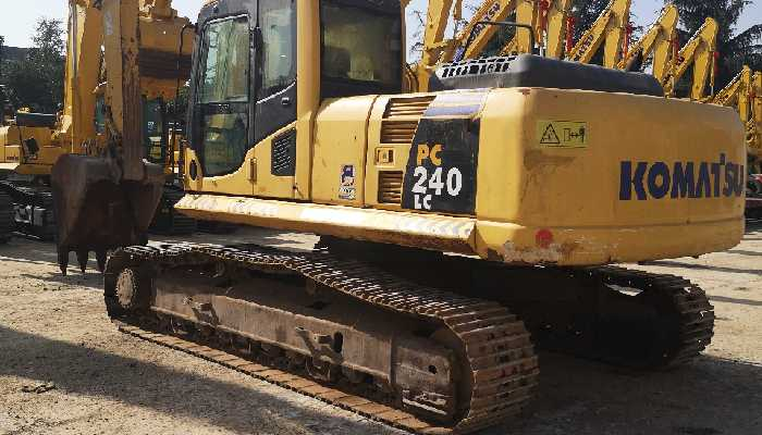赢咖2小松挖掘机PC240LC-8